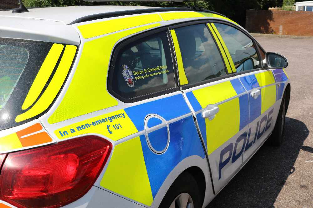 33 year old man stabbed outside Torquay supermarket - Radio Exe