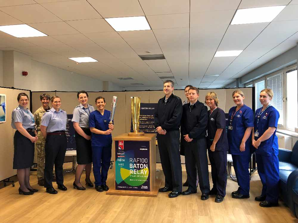 VIDEO: Baton for RAF centenary arrives at Oxford hospital