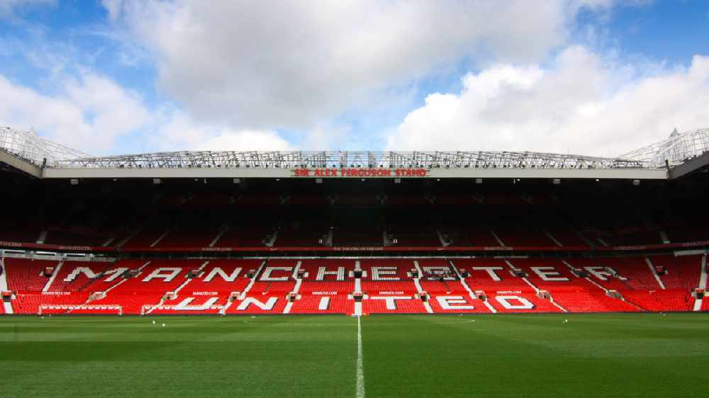 Manchester United facing defensive crisis