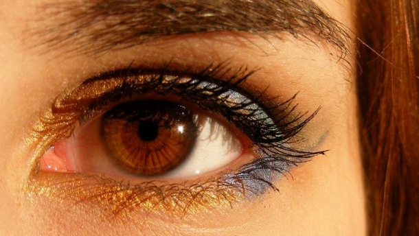 Ask Beaut: How to stop under-eye concealer caking