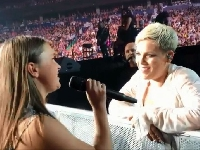 12-year-old girl shocks P!nk with rendition of 'Perfect'