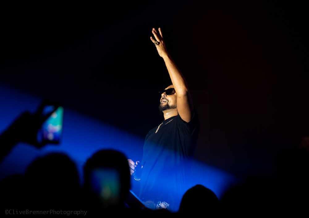 Sean Paul live on stage 1st November 2018 - Hi FM Radio, Oman