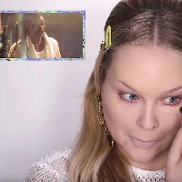 Snoop Dogg Narrates a Makeup Tutorial!