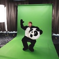 Ed Sheeran can't dance . . . And here's the proof