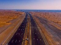النقل والإتصالات تفتتح الحركة المرورية على طريق الباطنة السريع