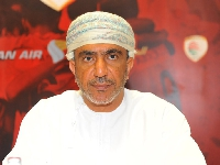 رئيس الاتحاد العماني لكرة القدم يعقد لقاء تشاوري مع أندية دوري عمانتل