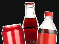هل صحيح أن طعم المشروبات الغازية أفضل في العبوات الزجاجية؟