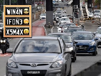 أستراليا تسمح باستعمال رموز إيموجي في لوحات أرقام السيارات