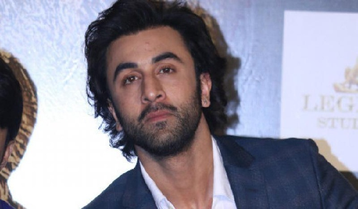 Ranbir Kapoor DEMANDS last minute changes in the Sanjay Dutt biopic and we know why