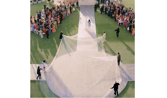 Priyanka's 75ft wedding veil