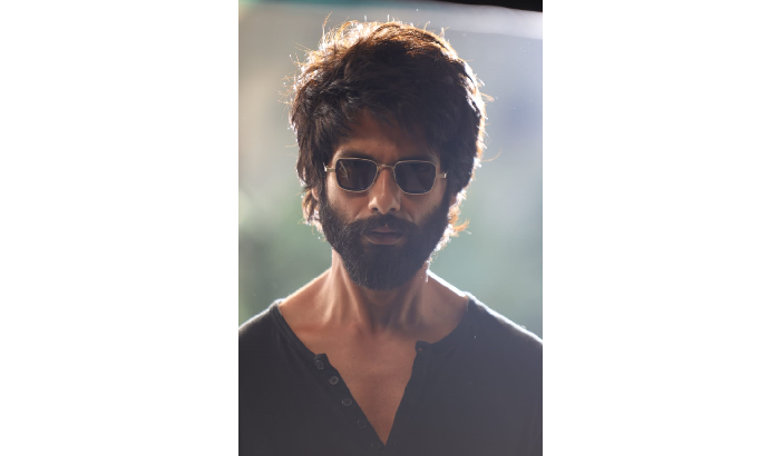 Youngsters excited to watch Kabir Singh starring Shahid Kapoor & Kiara Advani