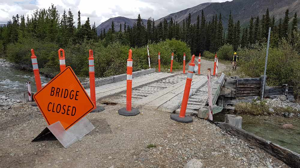 Yukon tourism operator lobbies to keep unsafe bridge