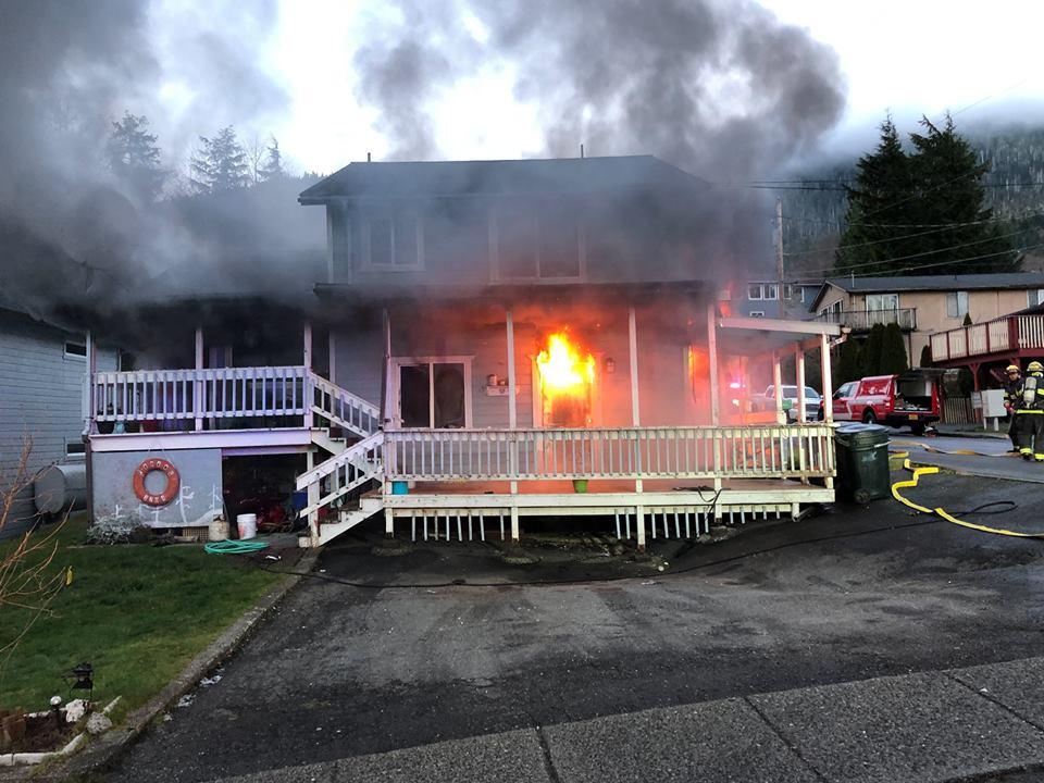 Nobody hurt in structure fire - Taku 105 - KTKU-FM