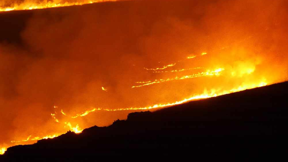 Diggle Moor Fire 1, cropped