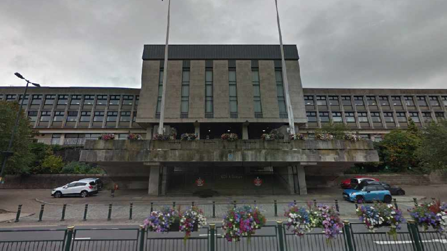 Oldham Civic Centre, cropped