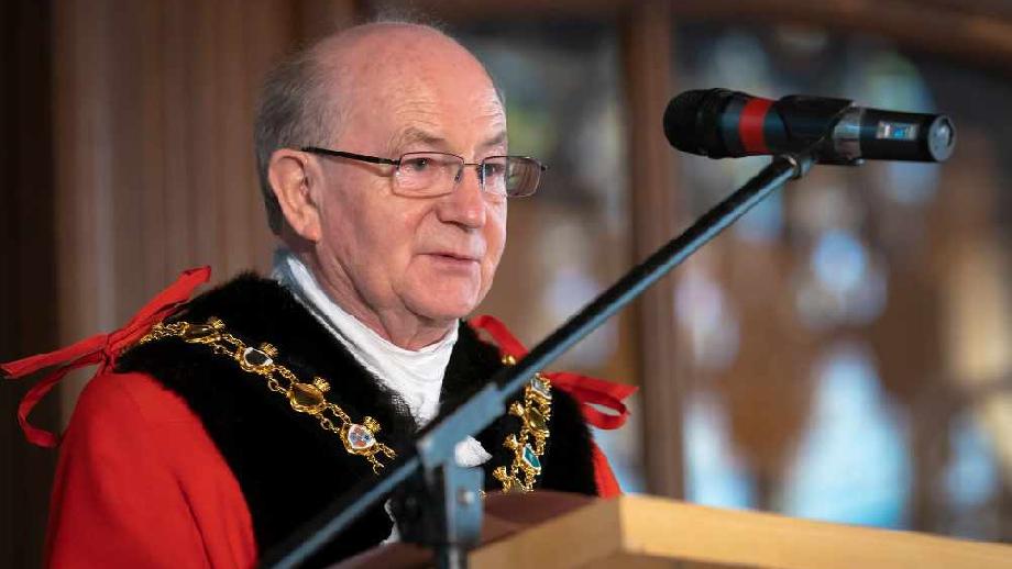 Rochdale New Mayor 2, cropped