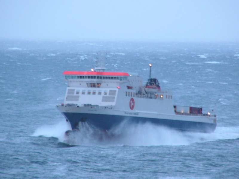 Bad weather disrupts ferry sailings