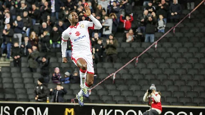MK Dons Agard Celebrating