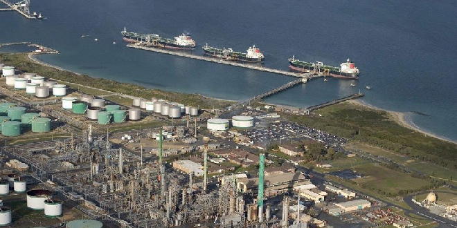 Two injured in Kwinana Refinery incident - 97 3 Coast FM