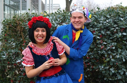 Will It Snow For Christmas Cast.Interview Cast Of Snow White Pantomime Sunshine Radio