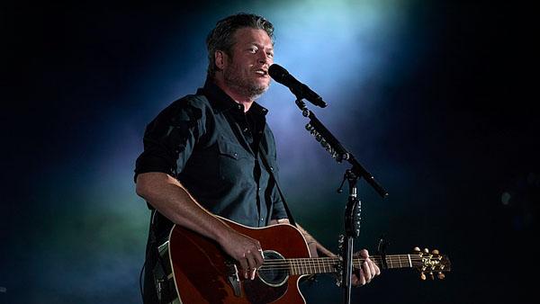 Blake Shelton Hosts Free Pop-Up Show At Ole Red In Nashville - Eagle