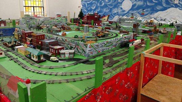 Christmas Model Train Show Returns To Heritage Hall