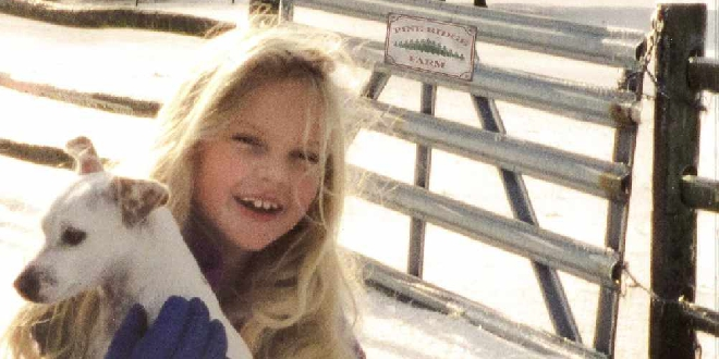 Taylor Swift Shares Childhood Home Videos On New Christmas Song Music Video 91 7 The Wave