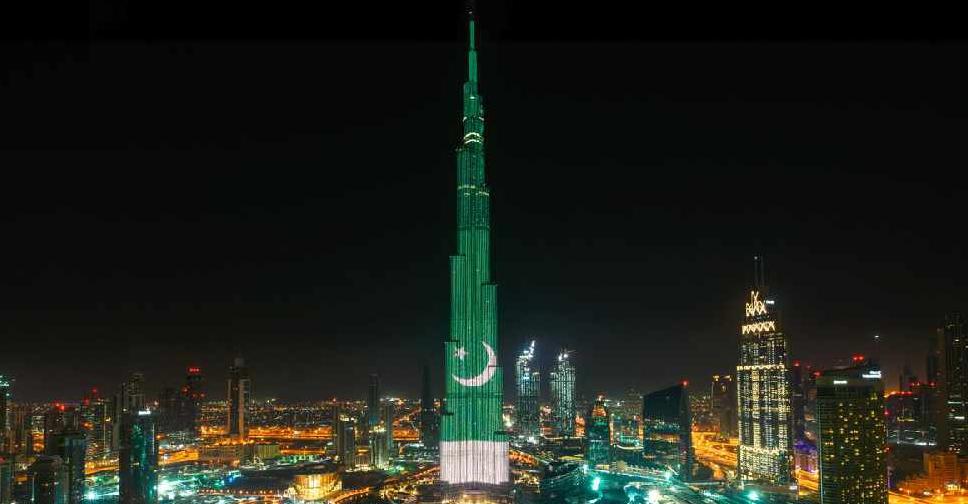Burj Khalifa lights up with Pakistan flag - Dubai Eye 103 8