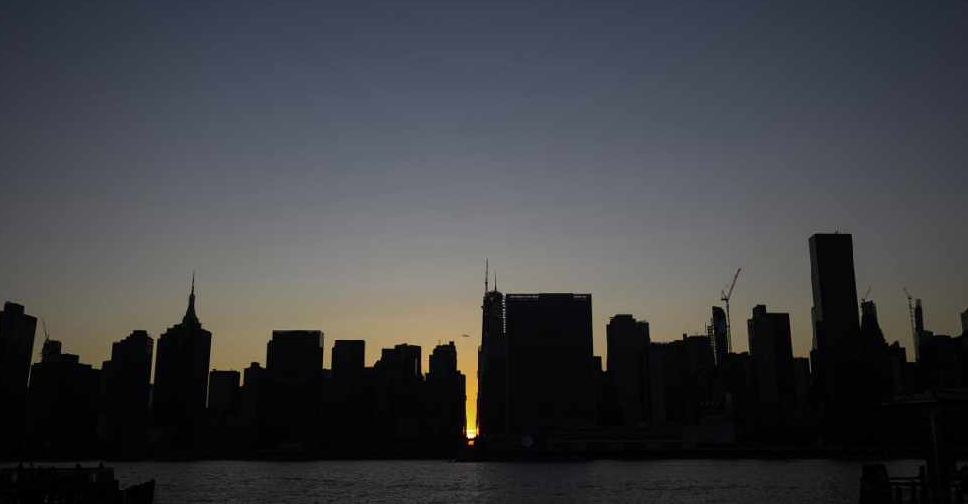 Power restored after massive outage hits New York City - HIT