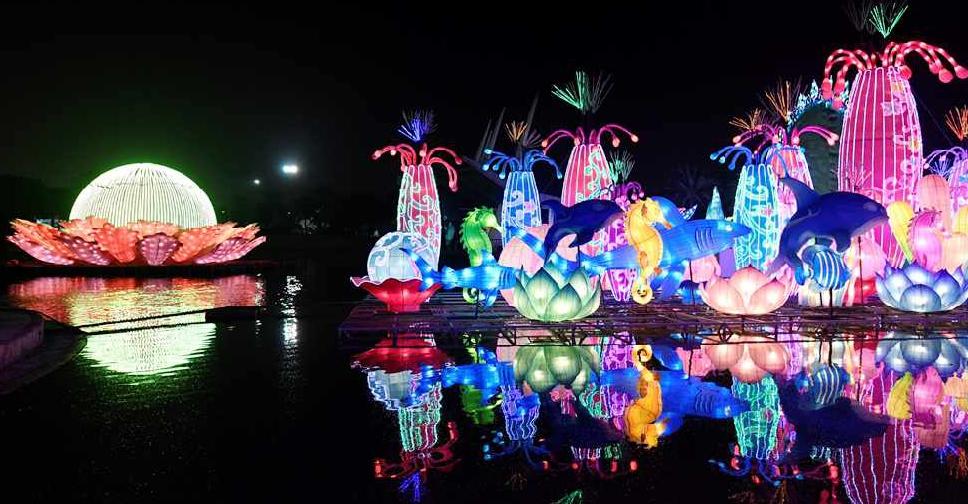 Watch Dubai Garden Glow Lights Up For Fifth Season Dubai Eye 103 8 News Talk Sport