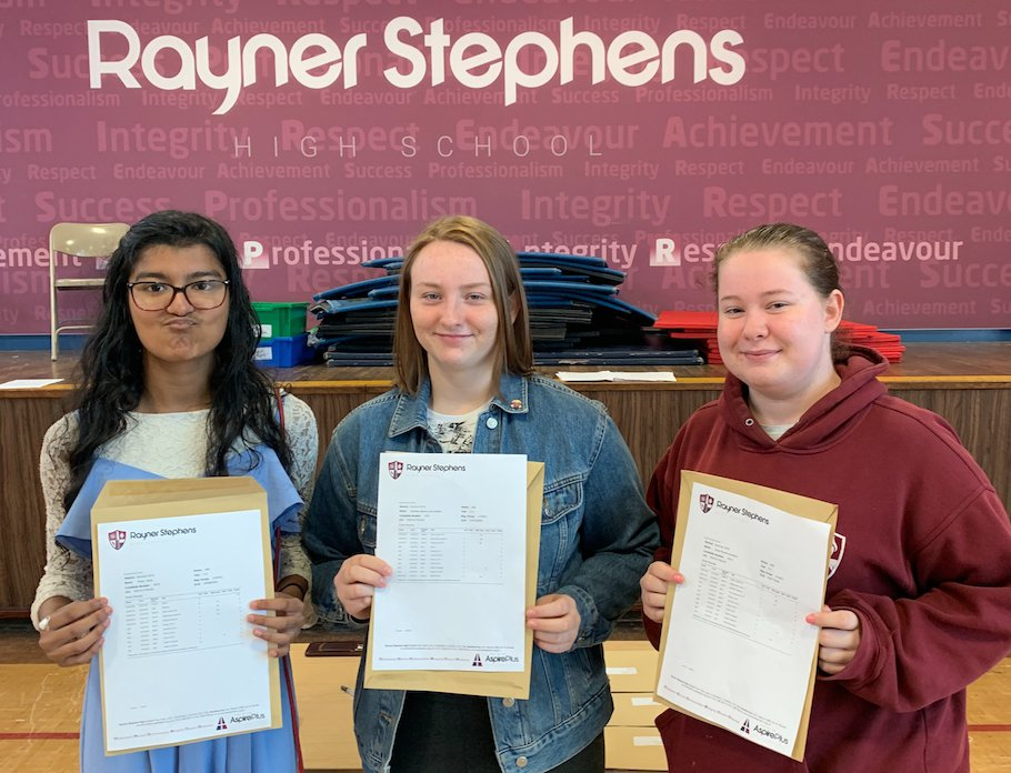 Rayner Stephens' Wafia Sadik wows with nine grade 9s at GCSE